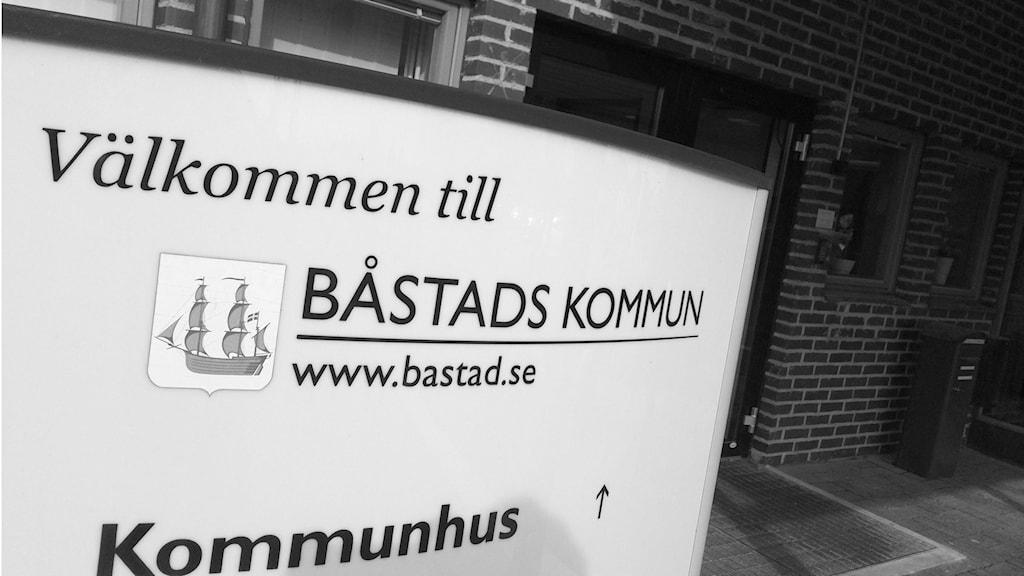 Kommunhus Båstad svartvit