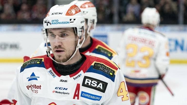 Malmös Jesper Aabo Jensen ser bekymrad ut.