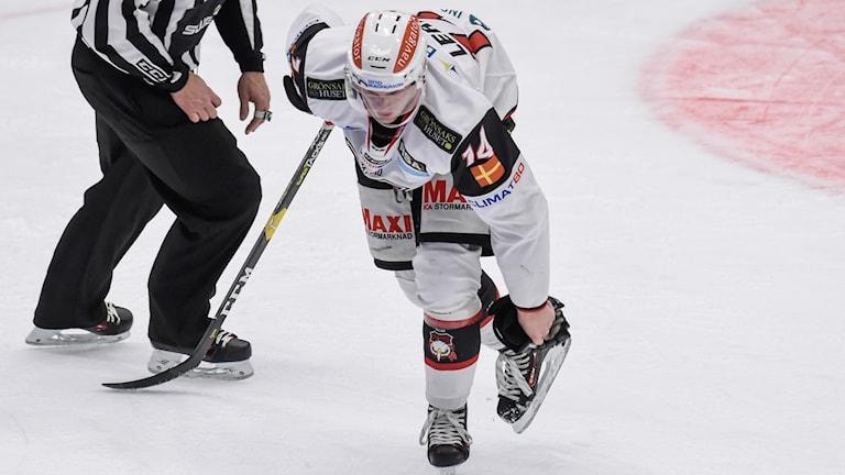 Malmö Redhawkss Carl-Johan Lerby, deppar efter kvällens storförlust mot  Skellefteå.