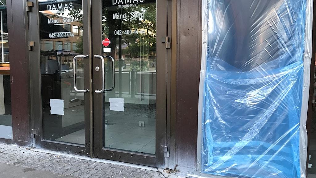 Restaurangen i Helsingborg dagen efter skjutningen. Foto: Anna Hanspers/Sveriges Radio.