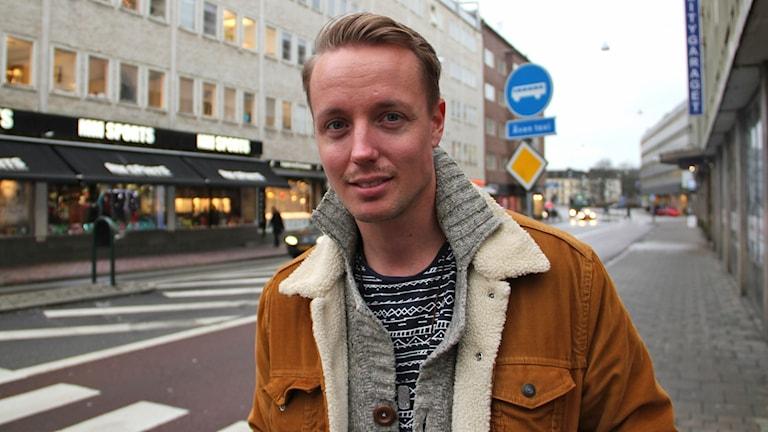 Simon Blom lever med hiv och är aktiv i Positiva gruppen Syd.