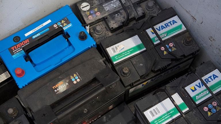 Bilbatterier är stöldbegärliga på återvinningscentraler. Foto: Henrik Montgomery/TT.