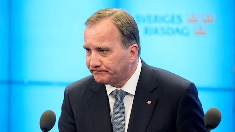Som väntat röstade riksdagsmajoriteten mot Löfven (S) som statsminister. Röstsiffrorna blev 142 för Löfven och 204 mot.
