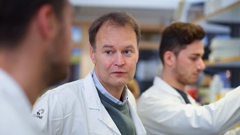 Fredrik Mertens, professor i klinisk genetik i Lund, är Årets cancerforskare 2018. Foto: Andrea Björsell/Cancerfonden.