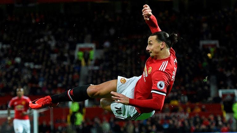 Zlatan Ibrahimovic var nära att göra mål i comebacken efter den svåra knäskadan.