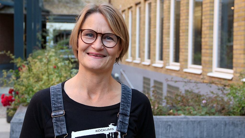 Anna Rydén designade den ikoniska t-shirten med Kockumskranen på. Foto: Hans Zillén/Sveriges Radio.