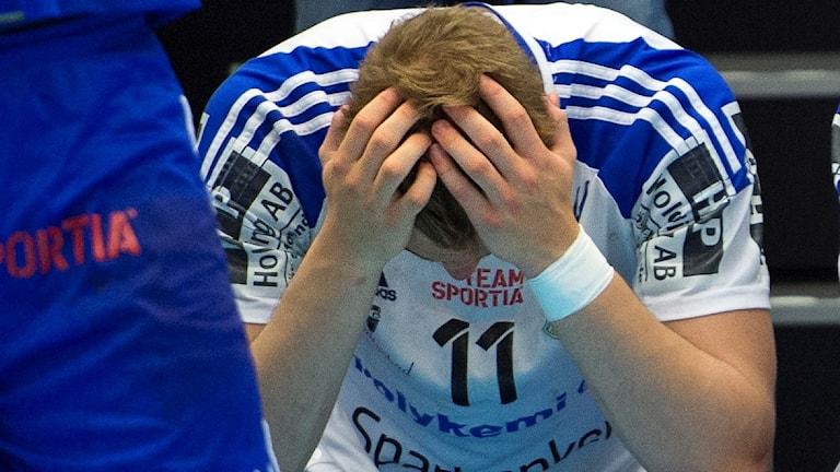Lukas Sandell deppar. Foto: Björn Lindgren/TT