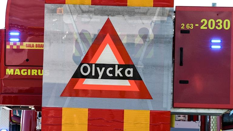 Brandbil varnar för olycka på motorväg. Foto: Johan Nilsson/TT