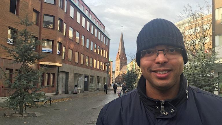 Babou, supporter till Malmö FF som ändå kommer att sakna HIF i allsvenskan. Foto: Joni Ingvarson/Sveriges Radio.