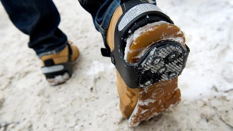 Broddar gör promenaden mindre farlig på vintern. Foto: Claudio Bresciani/TT.