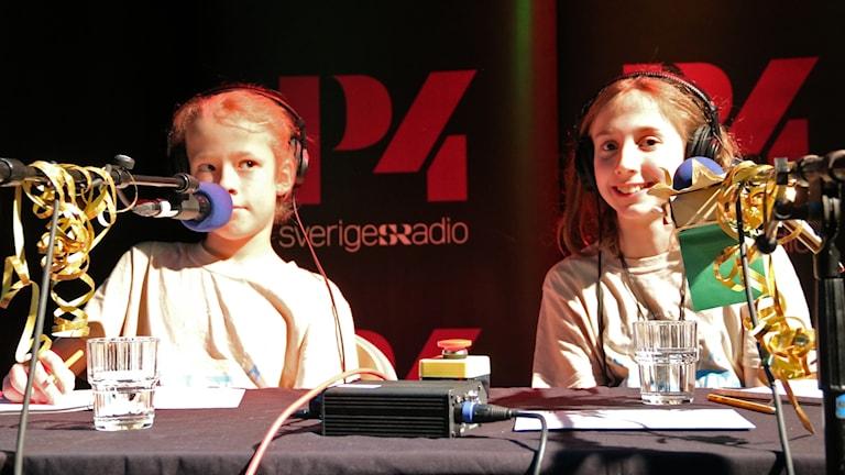 Malte Sjödén och Ella Felic Lindström från Vårfruskolan klass blå.