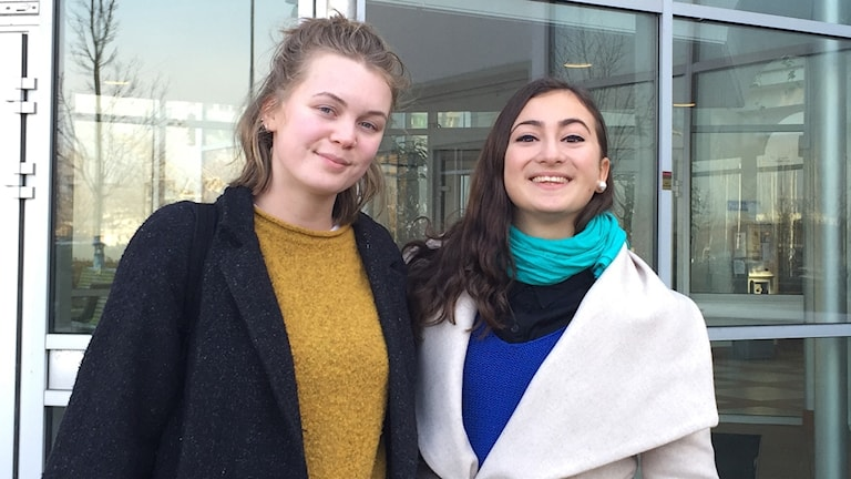 Campusstudenterna Hanna Mellin och Christina Abdulahad.