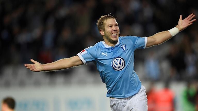 Anton Tinnerholm hade en stor kväll när MFF slog Elfsborg med 6-0. Foto: Björn Lindgren/TT.