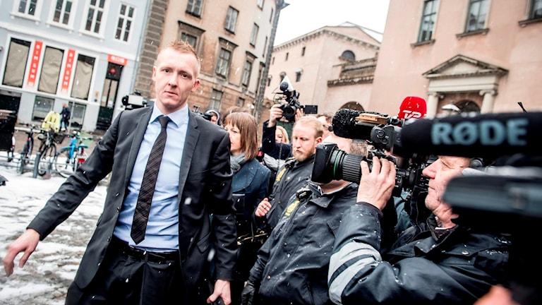 Åklagaren Jacob Buch-Jepsen anländer till byrätten i Köpenhamn.