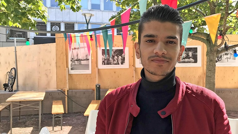 Amir Trabulsi, ung violinist som kommit från Syrien och som släpper singel. Foto: Julia Fryklund/Sveriges Radio.