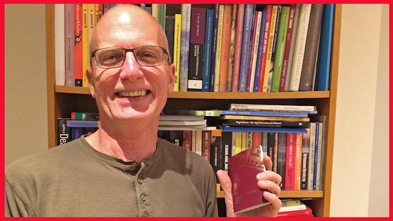 Jeff Batzler, svensk amerikan i Lomma som är med i P4 Malmöhus publiknätverk. Foto: Sofie Ericsson/Sveriges Radio.