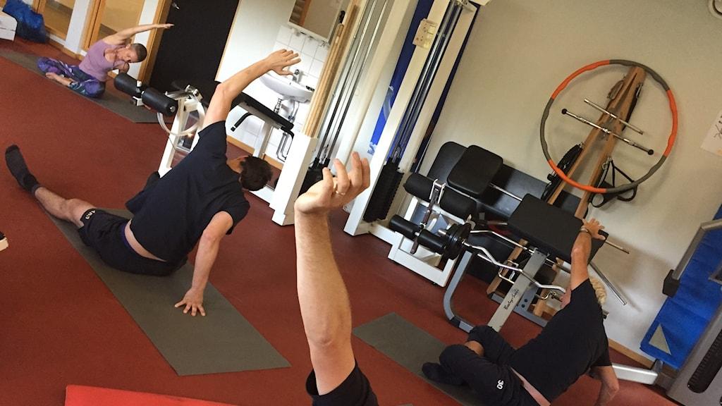 Yoga på arbetstid för brandmännen på Räddningstjänsten i Helsingborg.