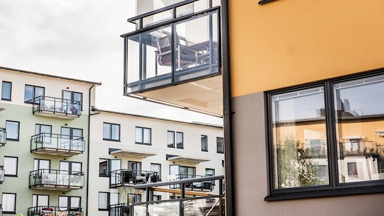 lerfamiljshus med balkonger Foto: Tomas Oneborg/TT