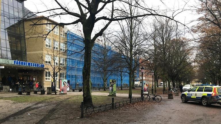 Värnhemsskolan stängs av efter bråk mellan elever.