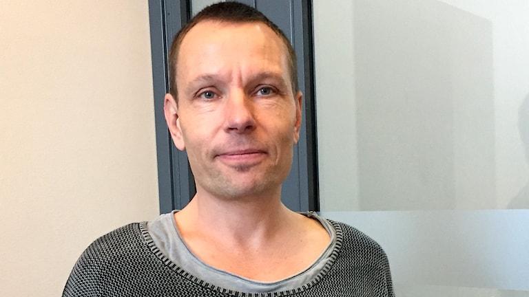 Mattias Mohn, förundersökningsledare, branden i Närlunda i Helsingborg. Foto: Anna Hanspers/Sveriges Radio