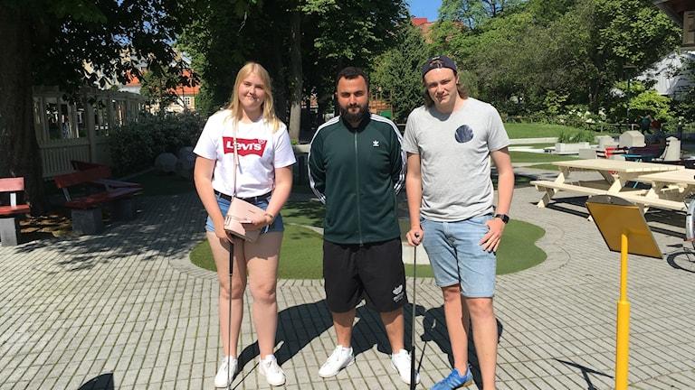 FIFH summer camp som är en del av sommaraktiviteterna hos kul i Malmö. På bilden har vi Julia Hansson, Hamza Ftouni och Marcus Svensson.