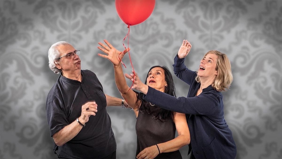 "Ali-Reza Modjallal, Mina Azarian och Anna Granath i ""Ballongen""."