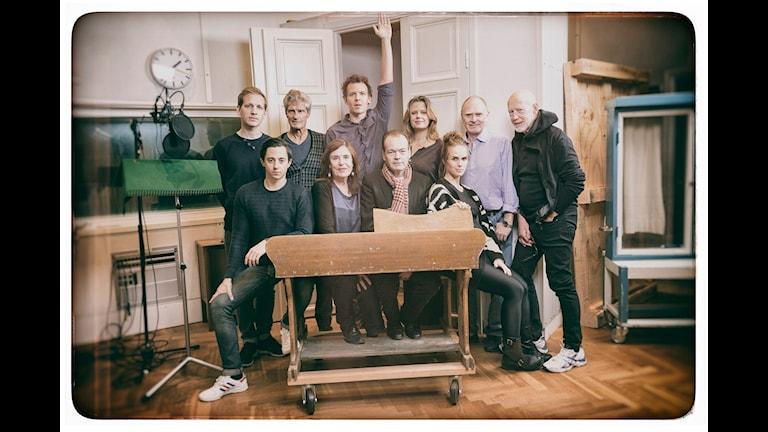 De medverkande skådespelarna i Vår klass (Foto: Mattias Ahlm/Sveriges Radio)