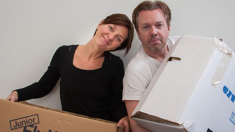 Viktoria Folkesson och Fredrik Evers i De utbytbara (Foto: Rolf Hilton/Sveriges Radio)