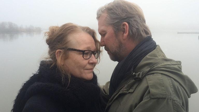 Ingen lärde oss att dö av Henning Mankell med Anna Bjelkerud och Mats Blomgren.