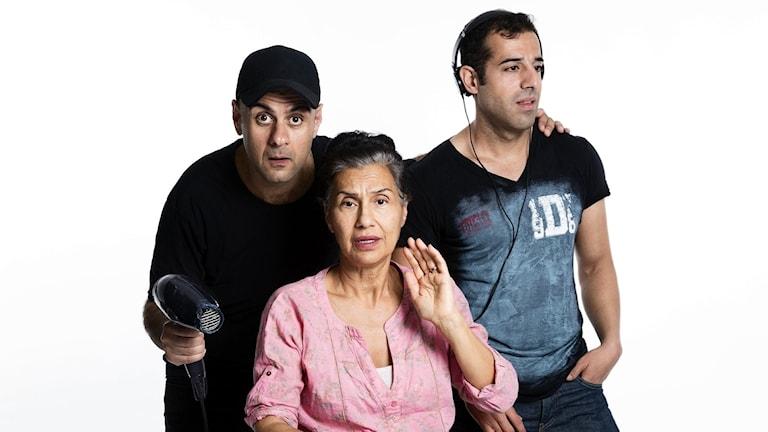 Shebly Niavarani, Mina Azarian och Bahador Foladi i Salongen.
