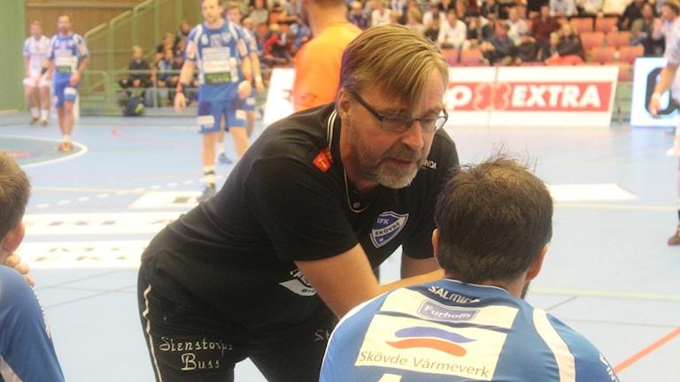 Patrik Liljestrand vid handbollsplanen