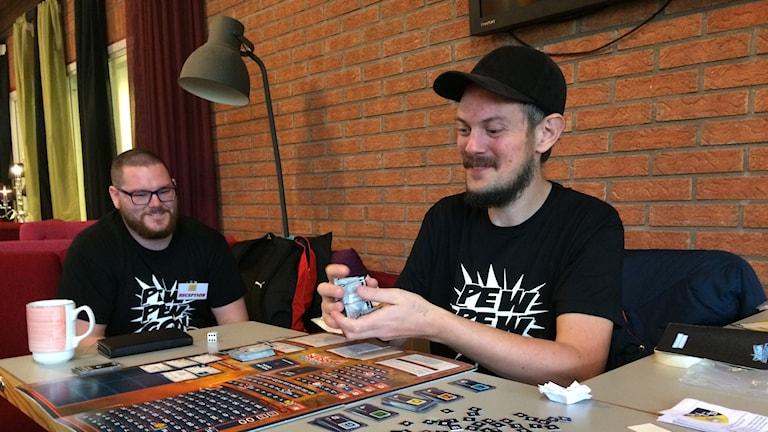 Arrangörerna Eric Milland och Tobias Sölvefjord var med och spelade in i det sista.