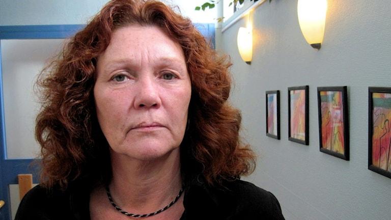 Elisabeth Hätting på Kvinnohuset i Skövde. Foto: Julia Peric.