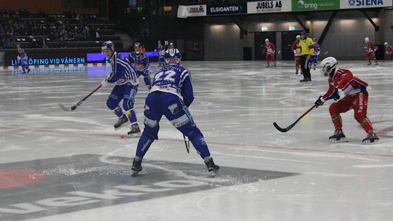 Villa på gång mot Kalix. Foto: Tommy Järlström/ Sveriges Radio.