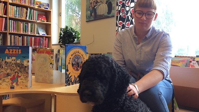 Hunden Zacke med matte Johanna Svensson.