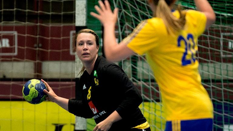 Cecilia Grubbström  i handbollslandskamp 2013. Foto: Adam Ihse / TT