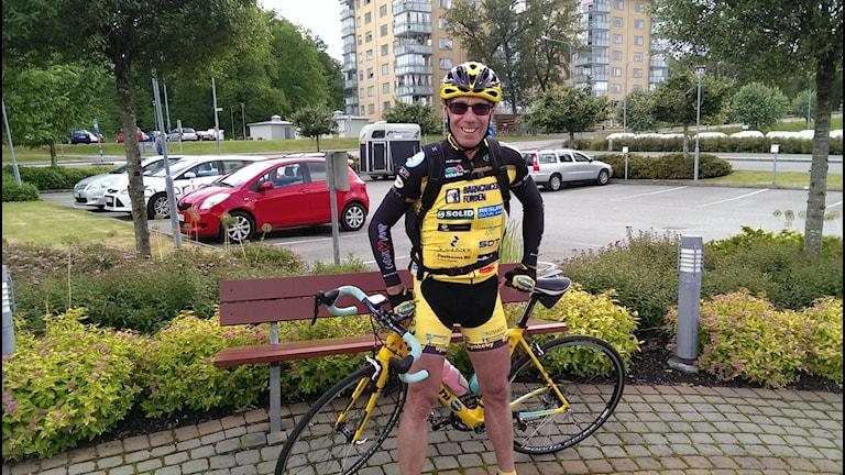 Bernt Johansson redo för sin färd mot Paris.
