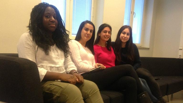 Amita Camara och hennes klasskompisar