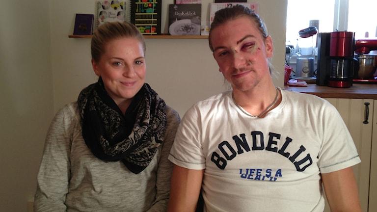 Hockeyspelaren Filip Engqvist och flickvännen Denise Lundgren. Foto: Jenny Josefsson P4 Skaraborg Sveriges Radio