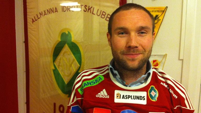 fotbollsspelaren Gustav Karlsson