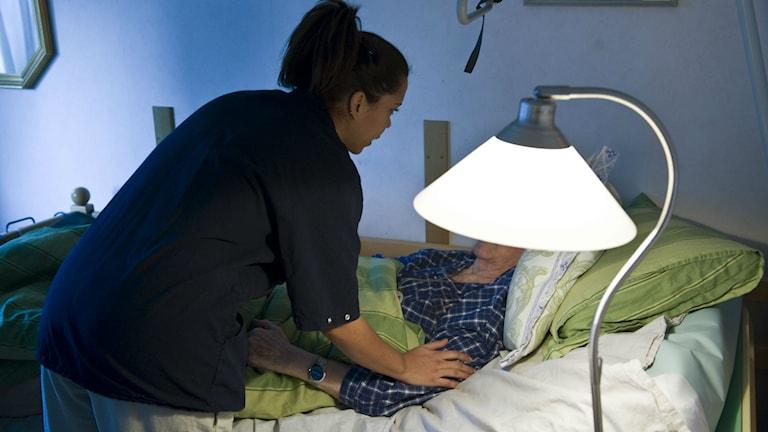 Genrebild hemvård äldrevård