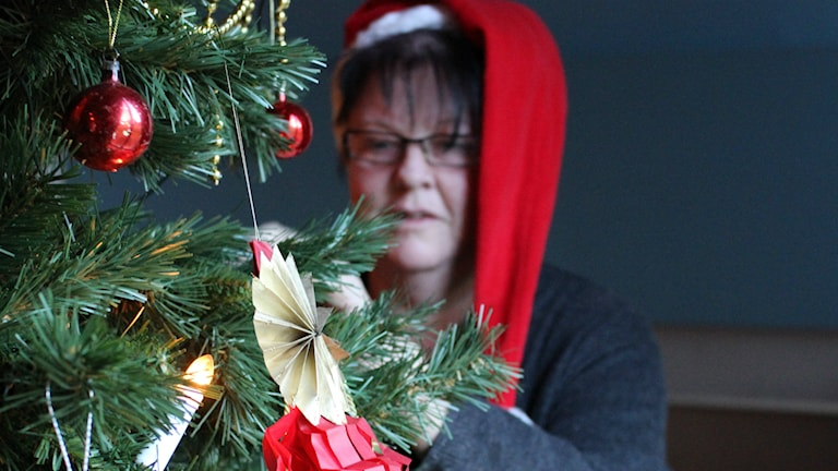 Etnologen Anki Wahss gör Ewa Ohlsson sällskap på julaftons morgon. Foto: Ewa Ohlsson / P4 Skaraborg Sveriges Radio