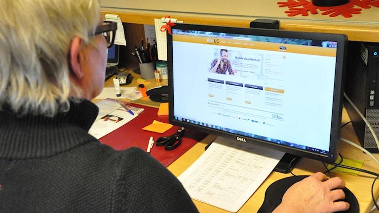 Någon försökte ta lån på internetbanker med Birgittas personnummer. Foto: Henrik Dammberg P4 Skaraborg Sveriges Radio