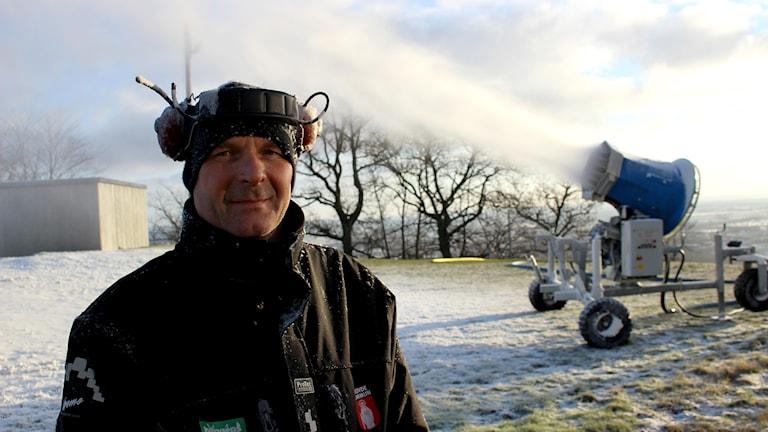 Anders Carlsson har haft fullt upp hela julhelgen. Foto: Marie Schnell / Sveriges Radio