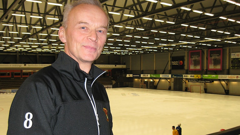 Stefan Larsson har spelat bandy i över 40 säsonger. Foto: Petra Dydiszko, P4 Skaraborg/Sveriges Radio