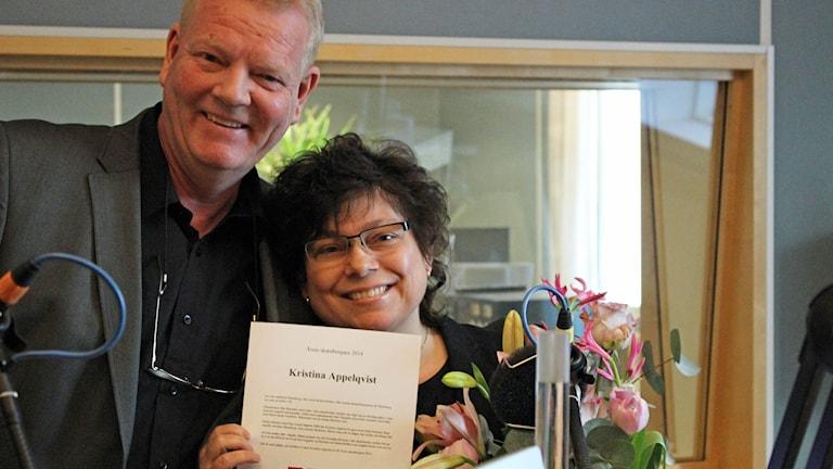 Kristina Appelqvist tillsammans med tf kanalchef Jörgen Nyman. Foto: Marthina Stäpel / Sveriges Radio.