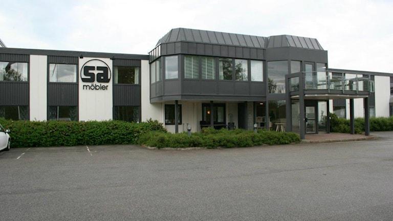 Det är ljusa tider för SA Möbler i Tibro. Foto: Privat