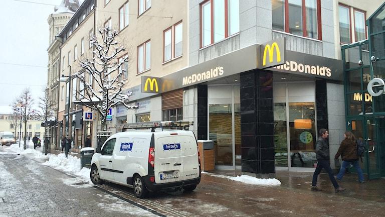 Under eftermiddagen fanns elektriker på plats i restaurangen. Foto: Mats Öfwerström / Sveriges Radio