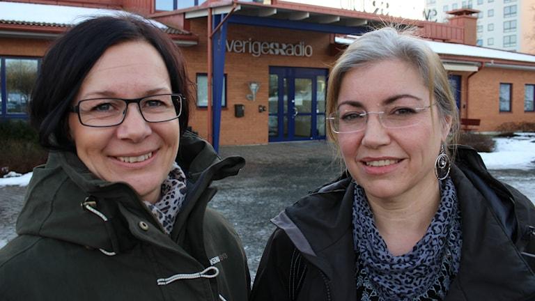 Annika Hulth och Jessica Wass tänder 300 ljus för cancersjuka barn på söndag.