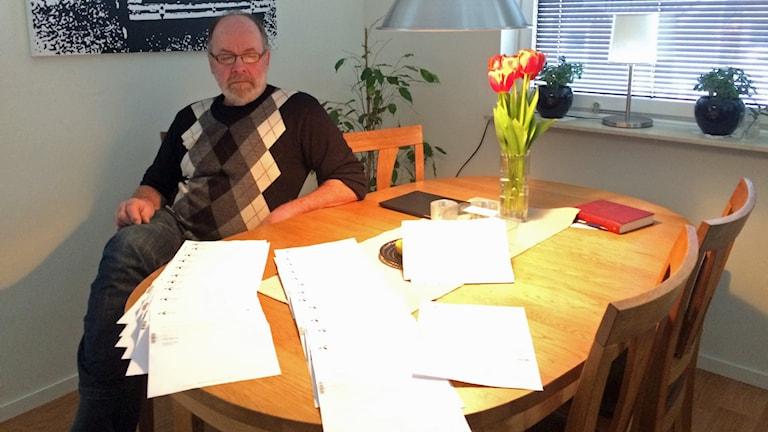 Hans Lundin har fått omkring 30 bekräftelser på att han inte är kund hos Bredbandsbolaget. Foto: Mats Öfwerström / Sveriges Radio